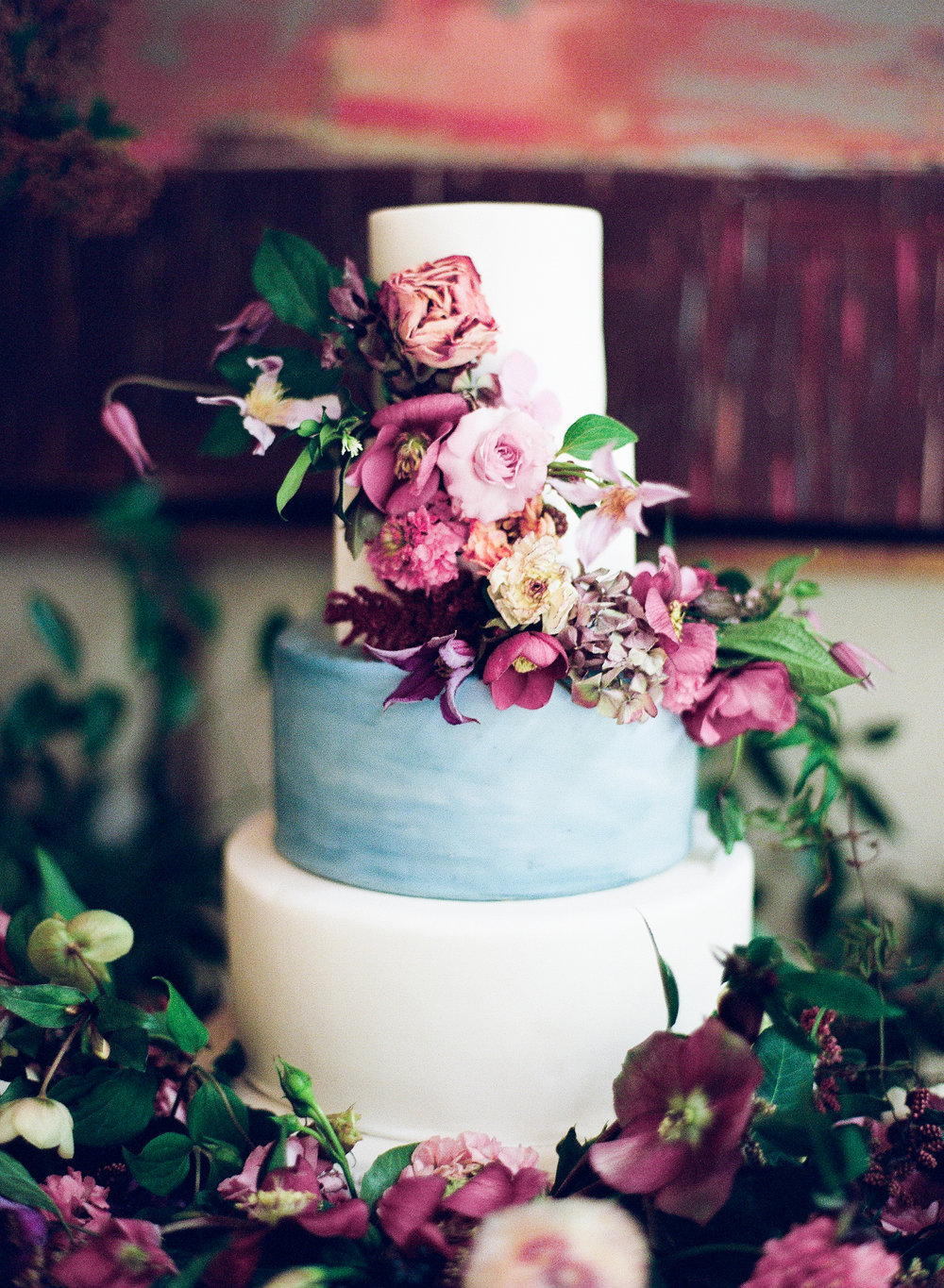 flower wedding cake | The Wildflowers is an event planning and design company inspiring stylish brides and grooms to dream a better dream for their wedding day. Follow along on instagram: @ thewildflowers_com