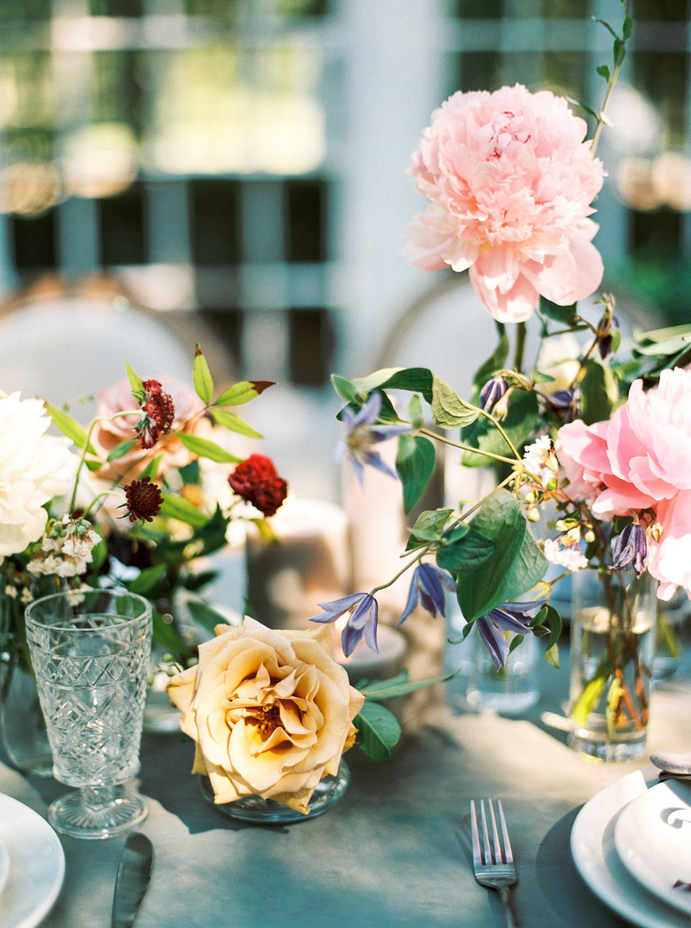 small bud vase table arrangements wedding | follow us on instagram: @ thewildflowers_com
