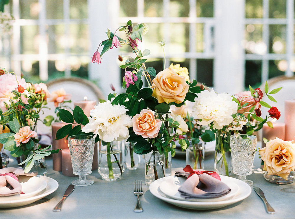 bud vase flower tablescape wedding reception | follow us on instagram: @ thewildflowers_com