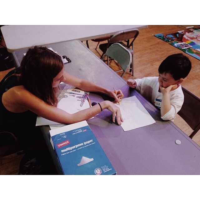 Kids have the most brilliant imaginations. One of our volunteers leading a small art workshop with one of today's youngest volunteers. #citivolunteers #hopethroughart