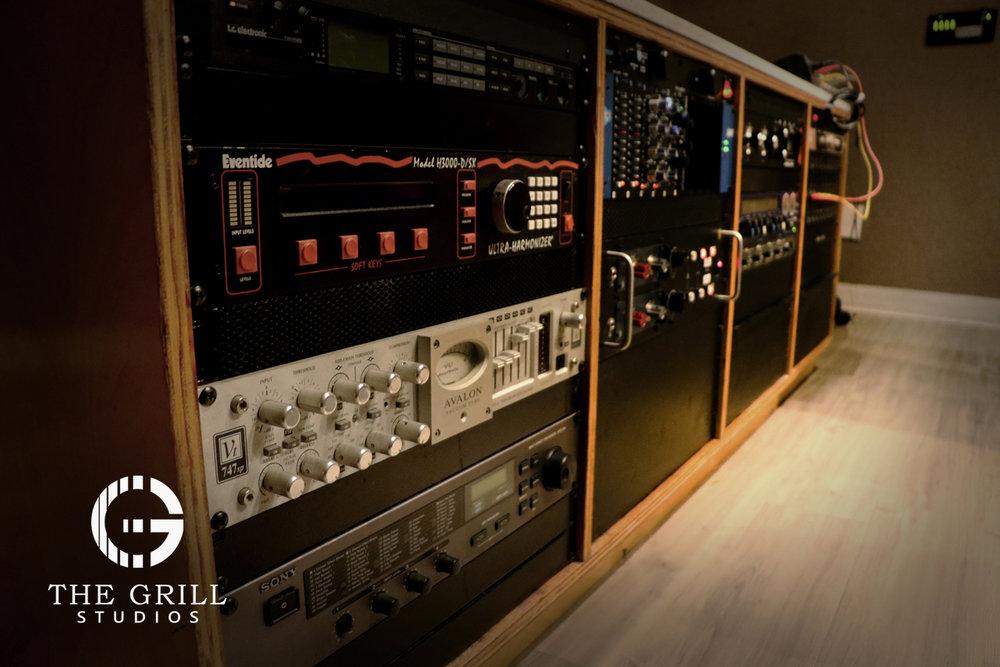 studio-a-outboard-gear-the-grill-studios.jpg