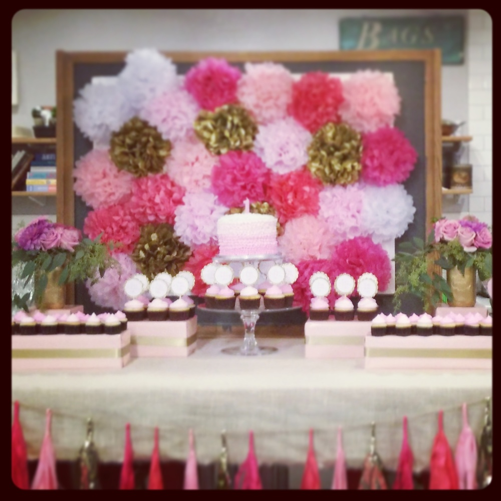 ...custom backdrop, garland, floral arrangements...and gorgeous styling by Bold & Fancy.  Photo Cred:  romp phone