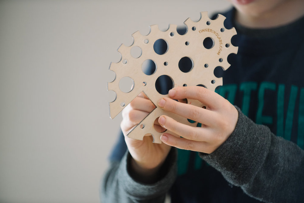 TINKERING:  YOUNG INVENTORS SERIES - MIXED AGE // 4.5-9 YEARS OLDFRIDAYS, OCT 6 - DEC 8 (NO CLASS NOV 24) // 9 WEEKS4:00-5:15 // 75 MINUTESCOST:  $133 PER MONTH NON-MEMBER (3 PAYMENTS)$35 MATERIALS FEE