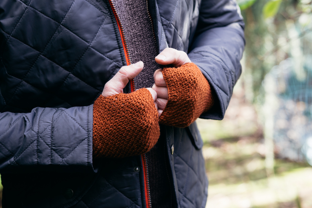 Granite Stitch Mitts from Hook, Stitch & Give (Kyle Books)