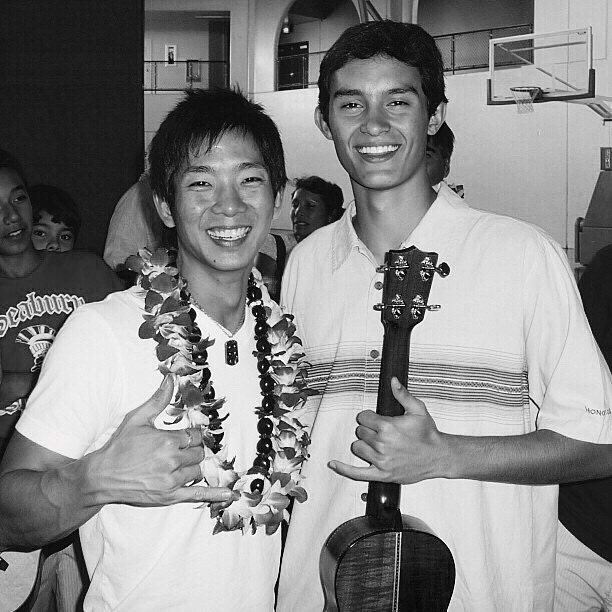 Conner in 2009 with his first musical inspiration, ukulele virtuoso Jake Shimabukuro during a school visit to Snowʻs alma mater, Seabury Hall.