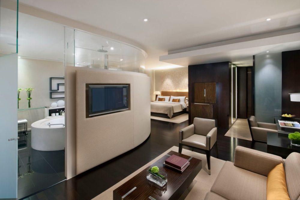 landmark-room-l600-deluxe-room-01.jpeg