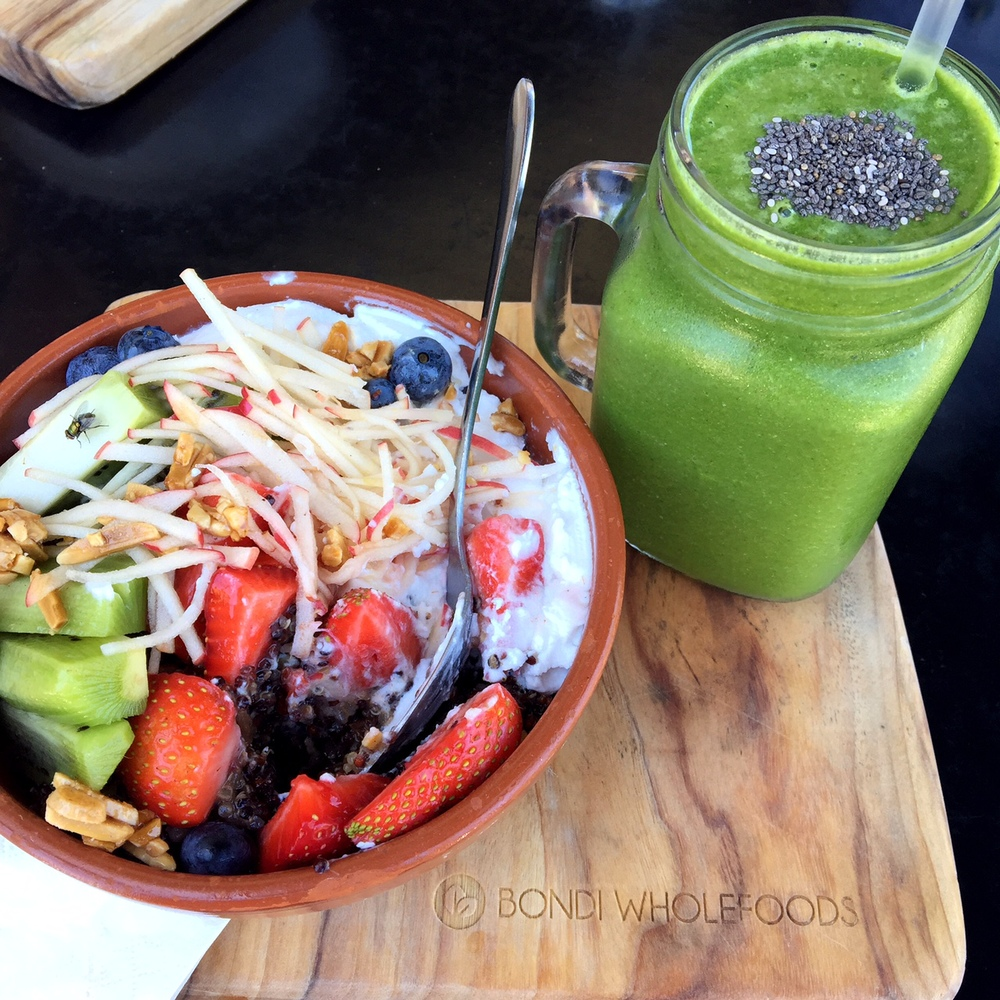 Bondi Wholefoods spiced quinoa brekky bowl & green cleanser smoothie
