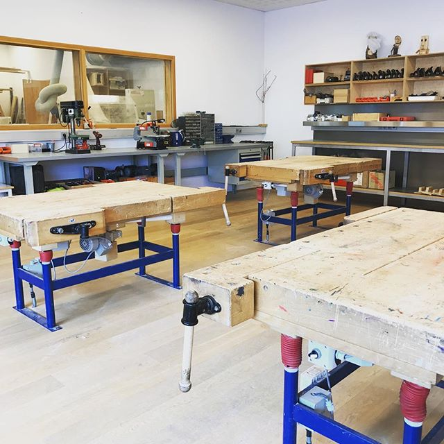 This winter I am going to be teaching wood working at the elementary school in Ísafjörður next to my own work. This is my class room. 🔨 #backtoschool #woodworking #kids #teenagers #dayjob