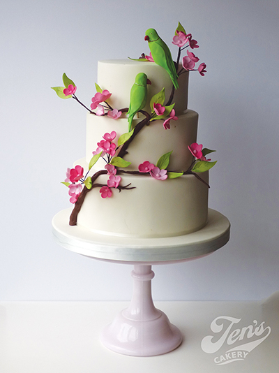 A wedding cake with parakeets, based on wild birds in London's Richmond Park adn Kew Gardens
