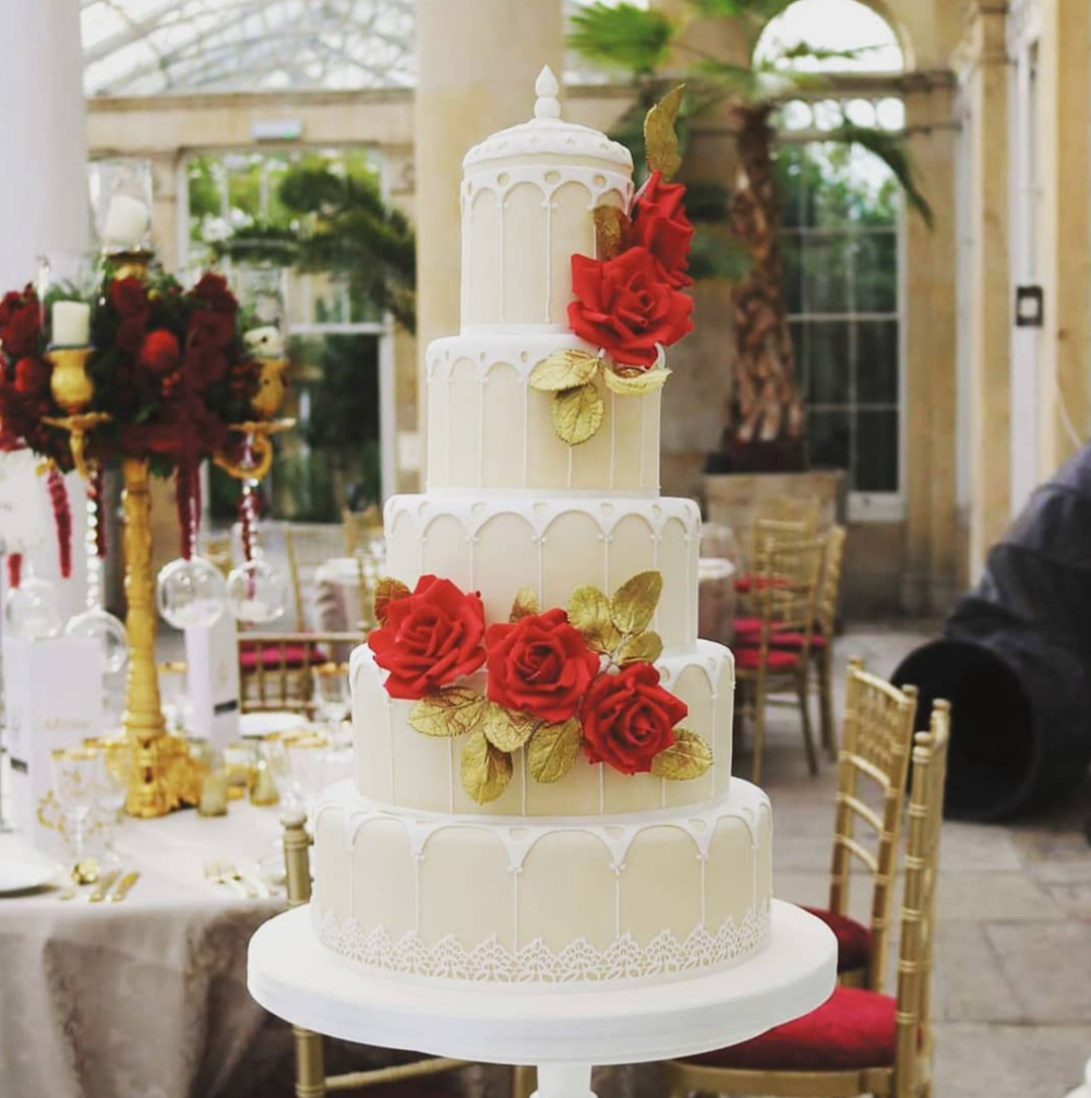 syon park wedding cake.png