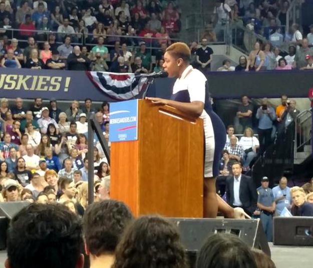 Symone D. Sanders, new press secretary for the Bernie Sanders campaign, speaking in Seattle. Photo by Evan McMorris Santoro, BuzzFeed.