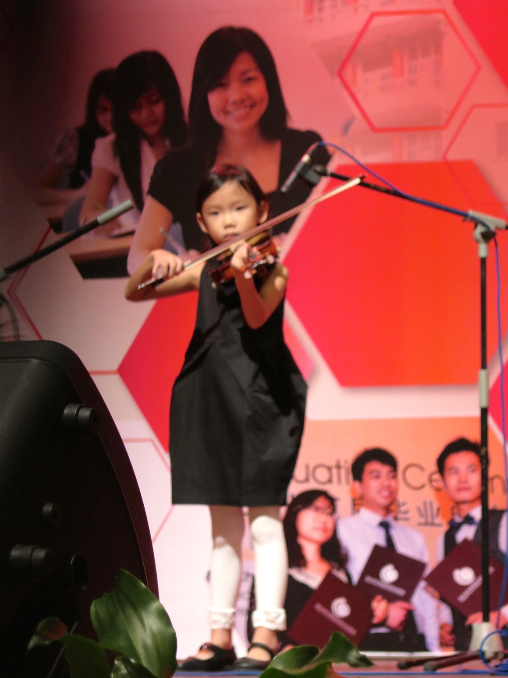 6 year old Faith Ow wows the audience with her performance!
