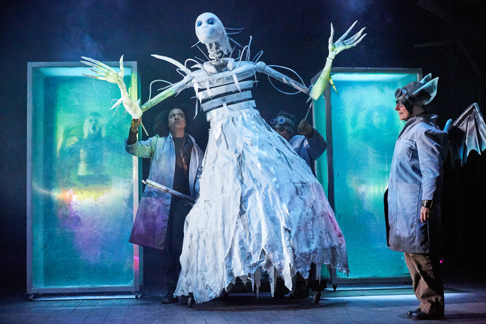The Snow Queen at Bristol Old Vic. Photo by Mark Douet _31B1947.jpg