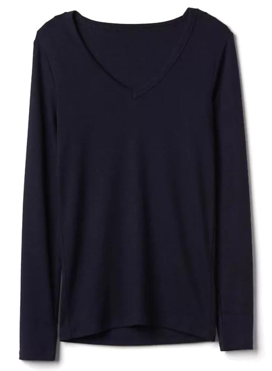 Gap Long sleeve modern v-neck