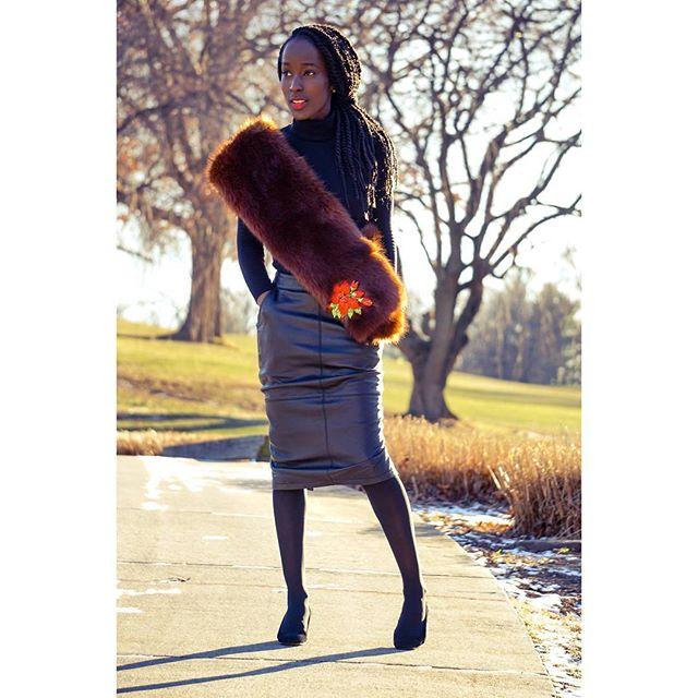 Happy New year. Black is Back #fashion #black #fur #stylegyft_ #stylegyft
