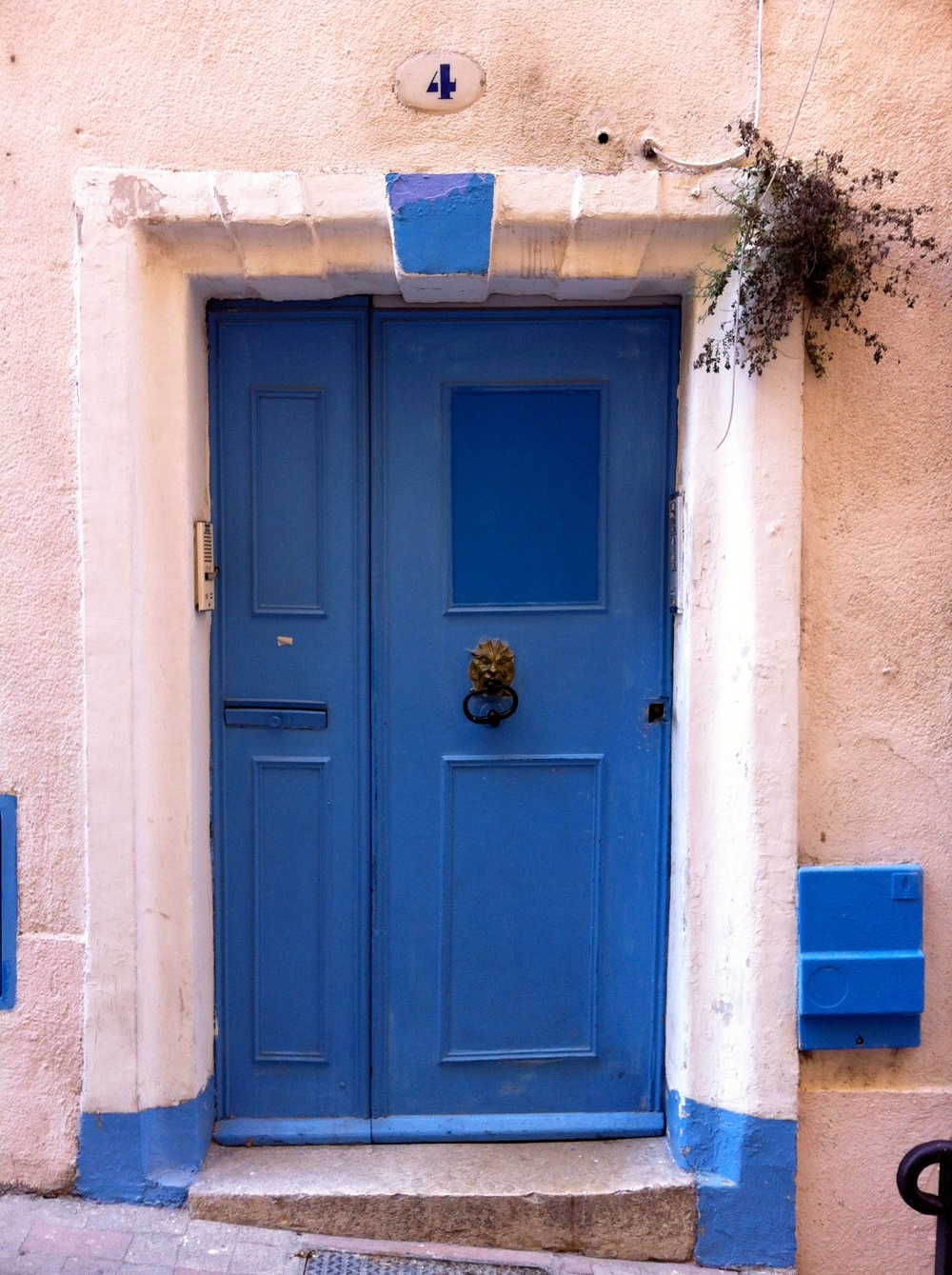 Door in Marseille, March 2012