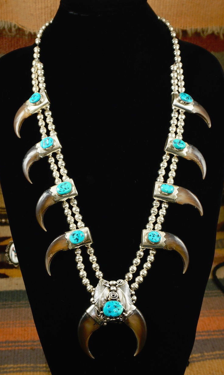 Item 832h Vintage Navajo 9 Turquoise 10 Bear Claw Silver