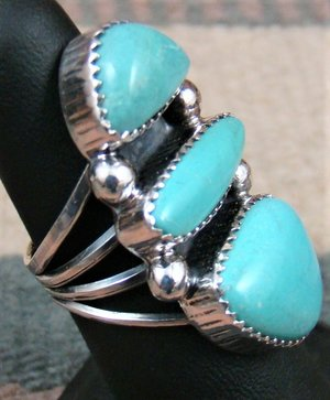 lg-navajo-3-stone-turquoise-stack-ring-Al-Joe-sz-6.5-823F-1.jpg
