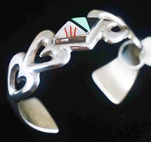 vintage-navajo-sandcast-silver-mulistone-hearts-bracelet.jpg