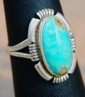 navajo-womens-turquoise-ring.jpg