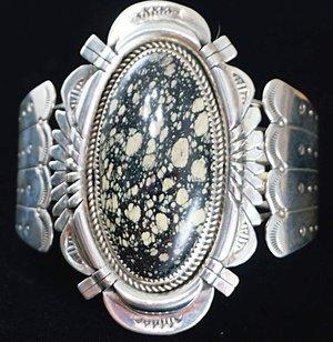 xlg-vintage-navajo-new-landers-turquoise-feathers-bracelet.jpg