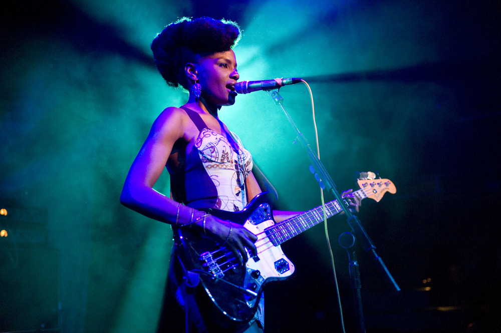 Noisettes_XFM_BigNightOut9th09_BBritton_05.JPG