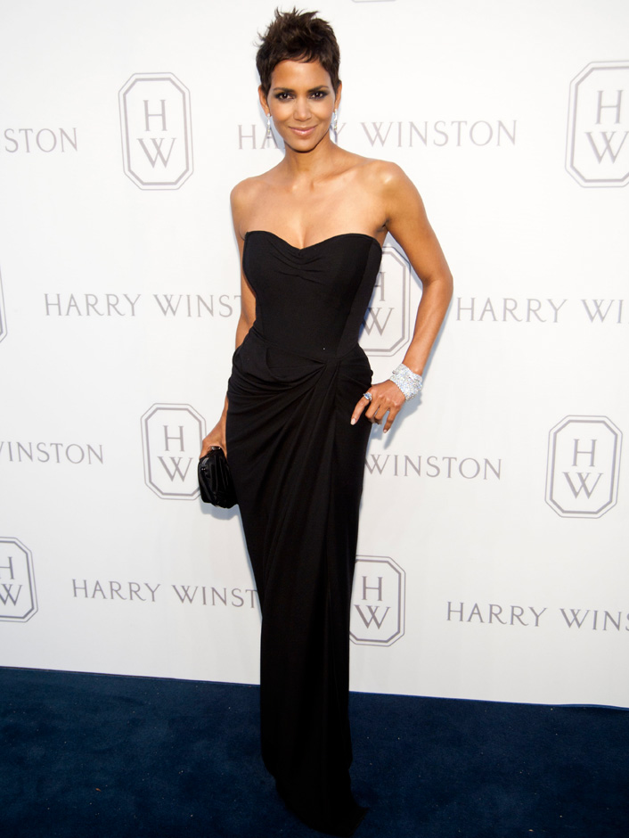 halle-berry-black-dress-short-hair.jpg