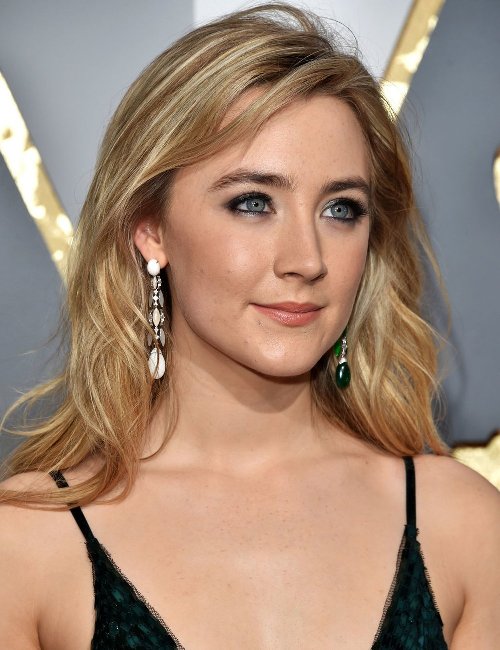 beauty-2016-02-saiorse-ronan-oscars-2016-makeup-main.jpg