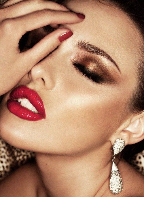 Holiday-Red-Lip-Bronze-Shimmer..jpg