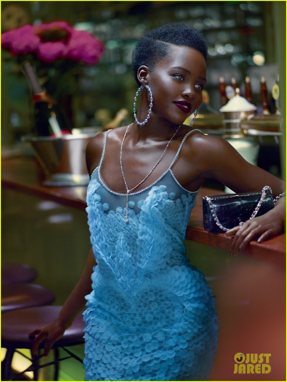 lupita-nyongo-covers-vogue-october-2015-03.jpg