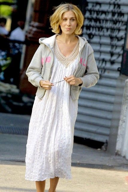 7509c818361d639bfd2ffb97673158e7--carrie-bradshaw-style-carrie-bradshaw-outfits.jpg