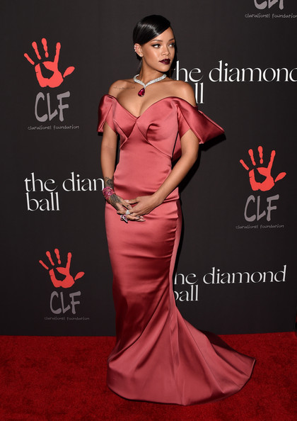 Rihanna-Dress-Red-Carpet-Dresses-Mermaid-Sweetheart-Off-The-Shoulder-Sleeveless-Floor-Length-Satin-Celebrity-Dresses.jpg