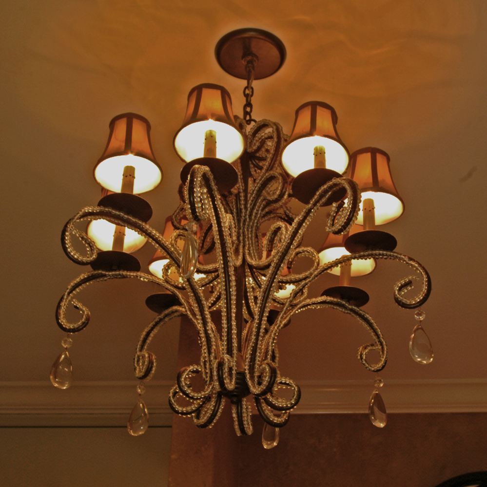 tres-chic-chandelier.jpg