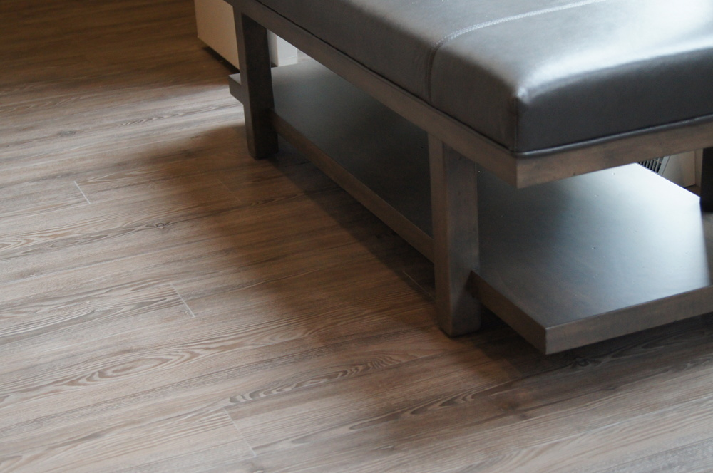 LUXURY VINYL TILE HAS THE APPEARANCE OF WOOD, WHILE BEING MORE DURABLE AND EASIER TO CLEAN FOR A MAIN ENTRANCE
