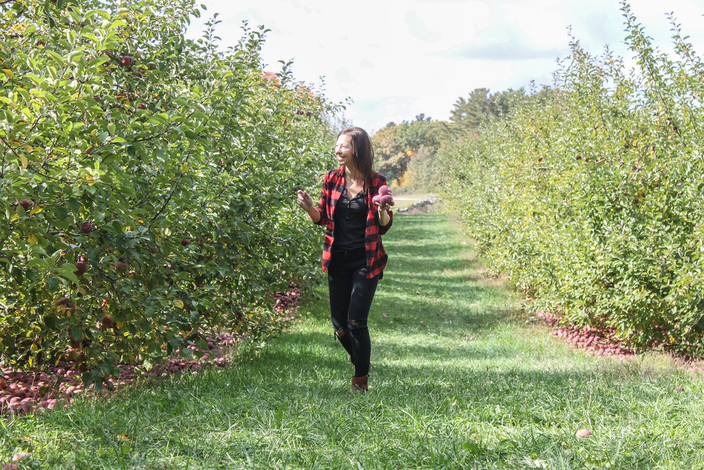 apple-picking-jess