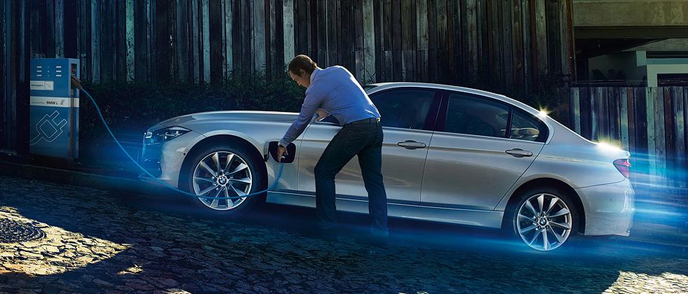 BMW-i3-charging-wallbox.jpg
