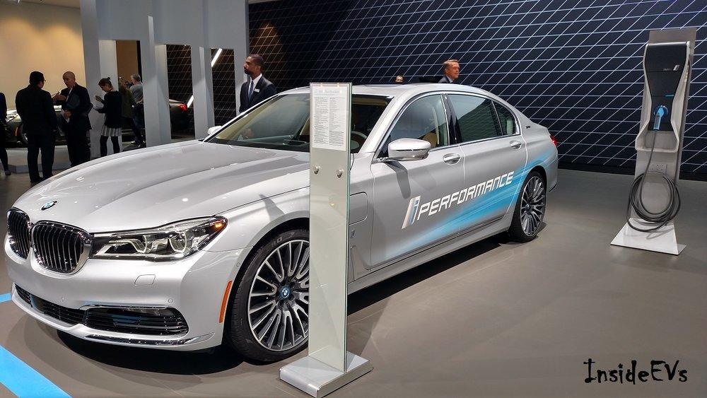 BMW 740e iPerformance charging.jpg