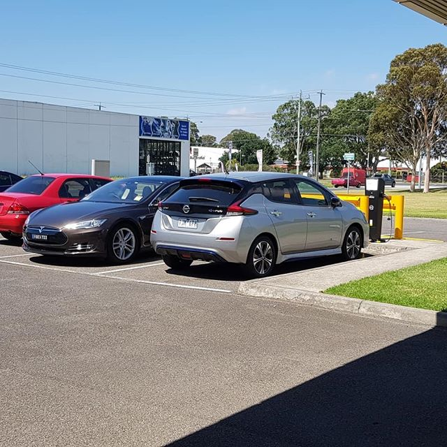 At @nissanaustralia Head office charging from our recently installed charging stations. The #Leaf looks great!