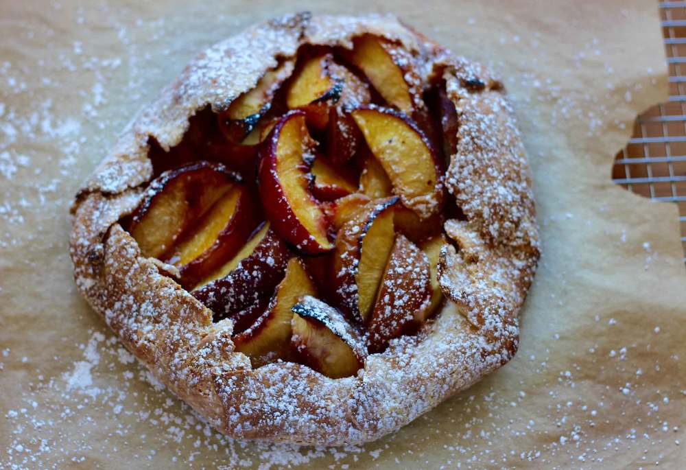 peach crostata recipe by Thread & Whisk