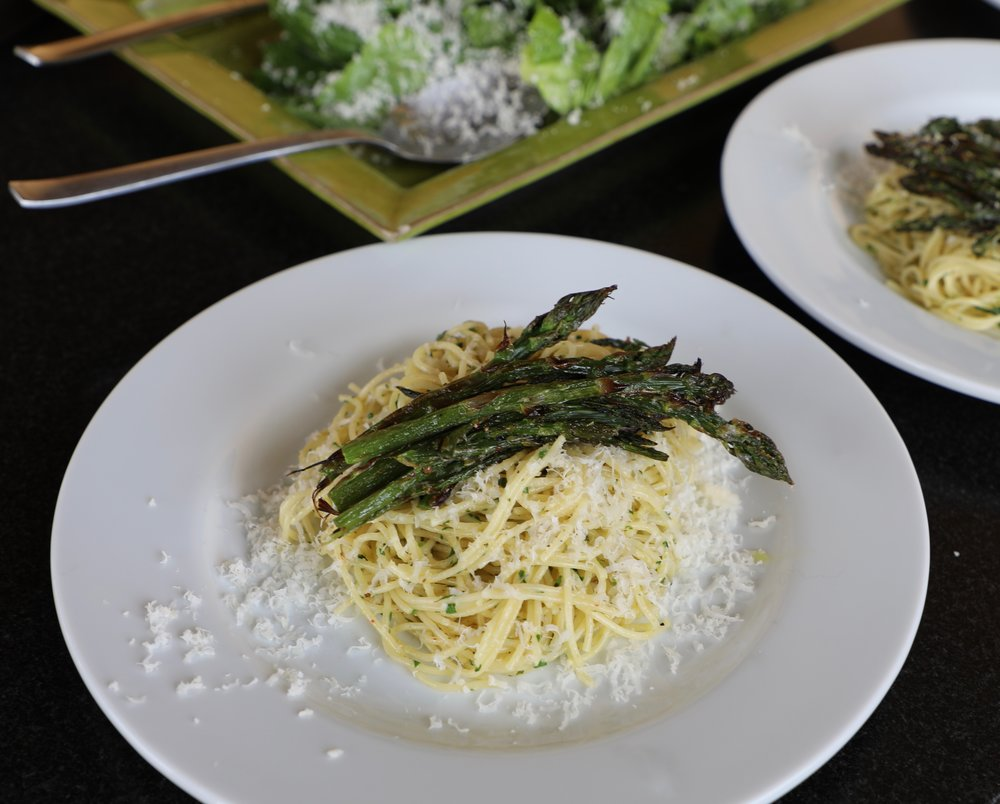 I can't wait to eat a plateful of Lemony Cacio e Pepe with Broiled Asparagus on top.  Fresh asparagus at the farmer's market makes me dream of this recipe.