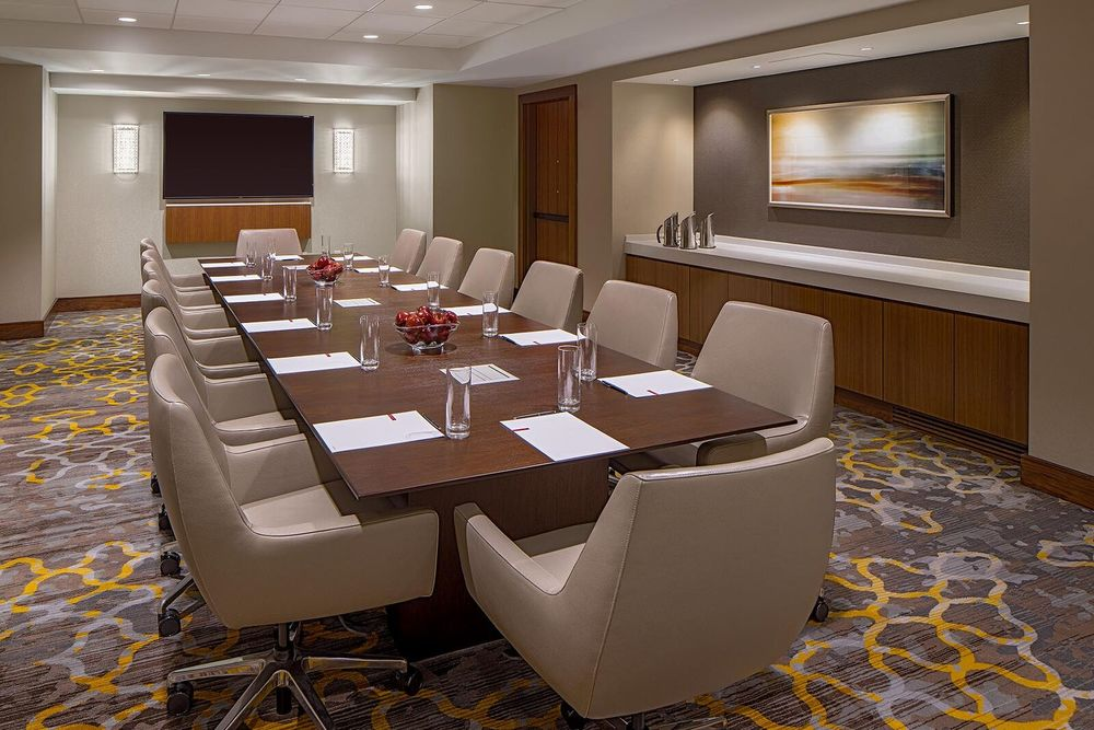 Lincoln Boardroom.jpg
