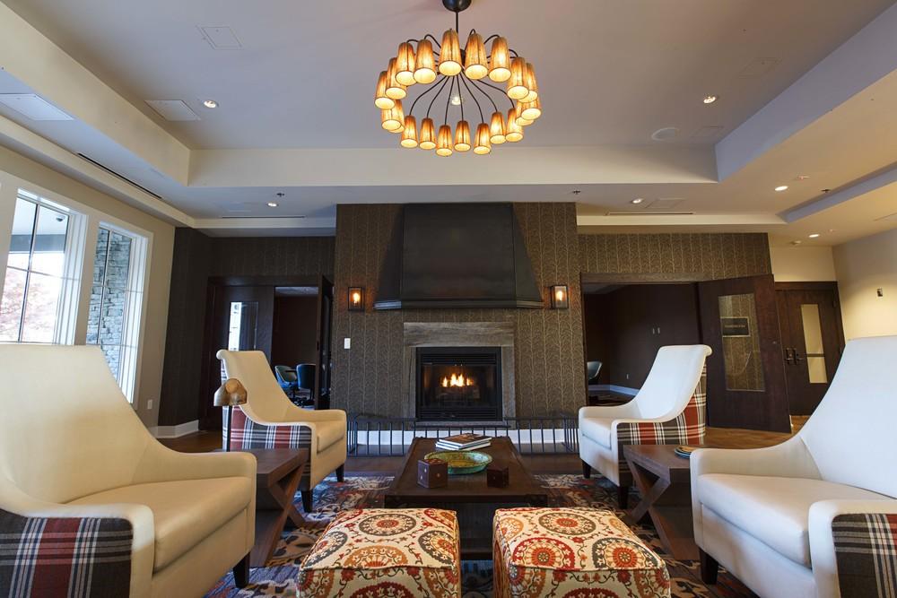 Lobby Lounge (2).jpg