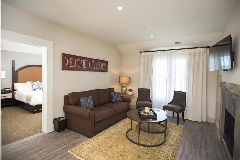 Manor Suite (1).jpg