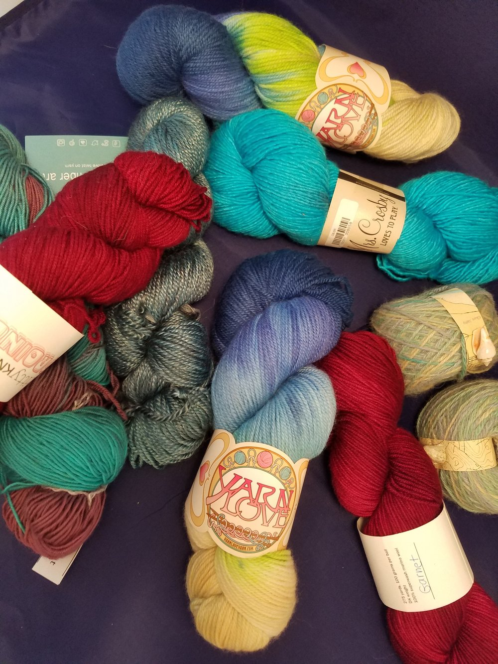 Some yarn, photographed in the light box.  mmmmmmm
