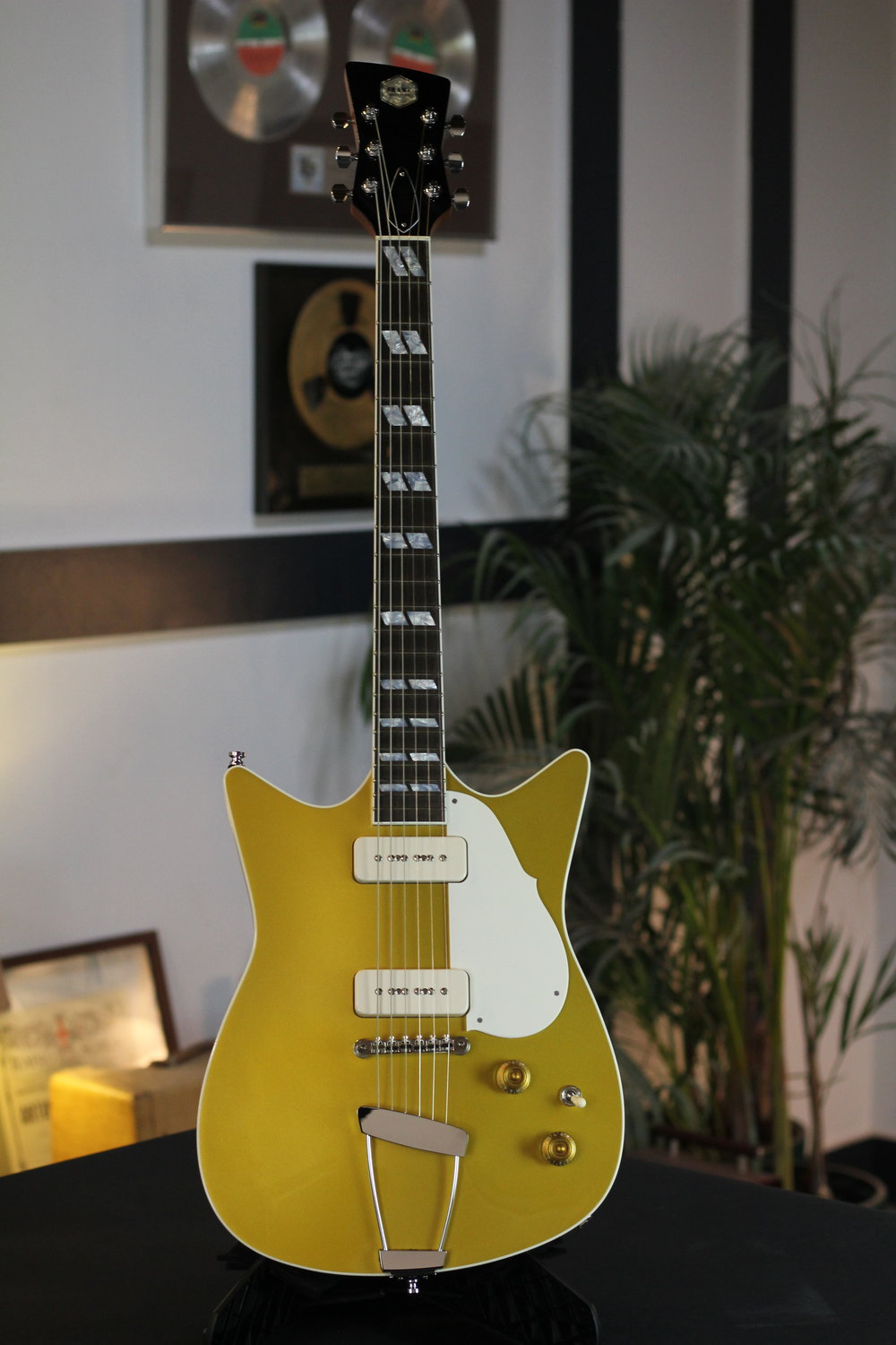 Goldtop - Signature Model (3).JPG