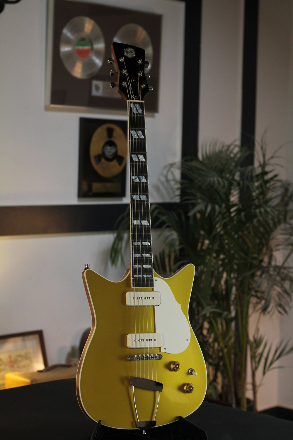 Goldtop - Signature Model.JPG