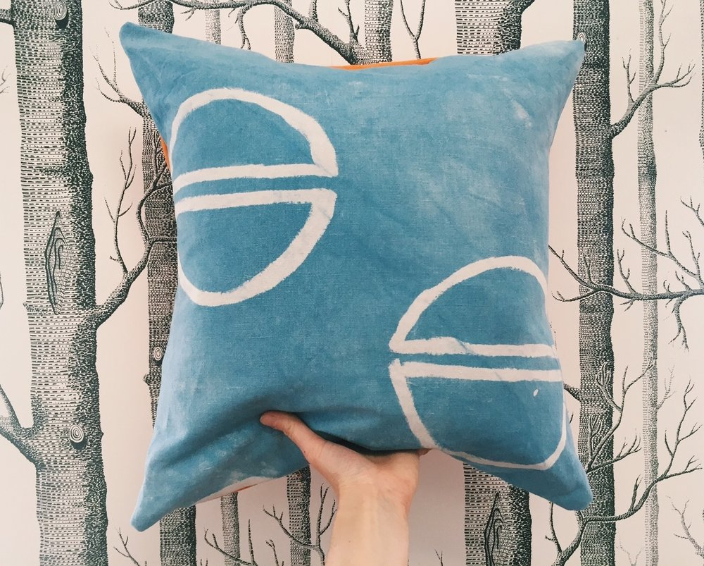 INDIGO + CLAY RESIST PILLOW - HAND-DYED WITH NATURAL INDIGO