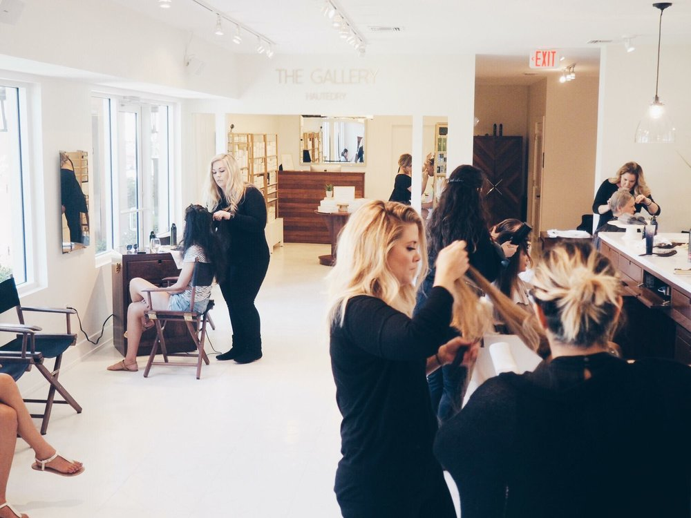 HauteDry loves special events! This is one of our Wedding Parties. It's still so fun to see the Salon busy... it's amazing to see the idea come to life!