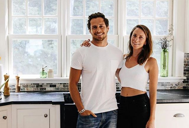 Meet Lindsay and Andre, the dynamic duo behind @owlvenice, a health and wellness brand dedicated to making products that restore the body and elevate the soul, including cleanses, mylkshakes, and broth elixirs ... and they're based locally in beautiful Venice. Check them out and see what they're brewing. #frameworkcoolclients