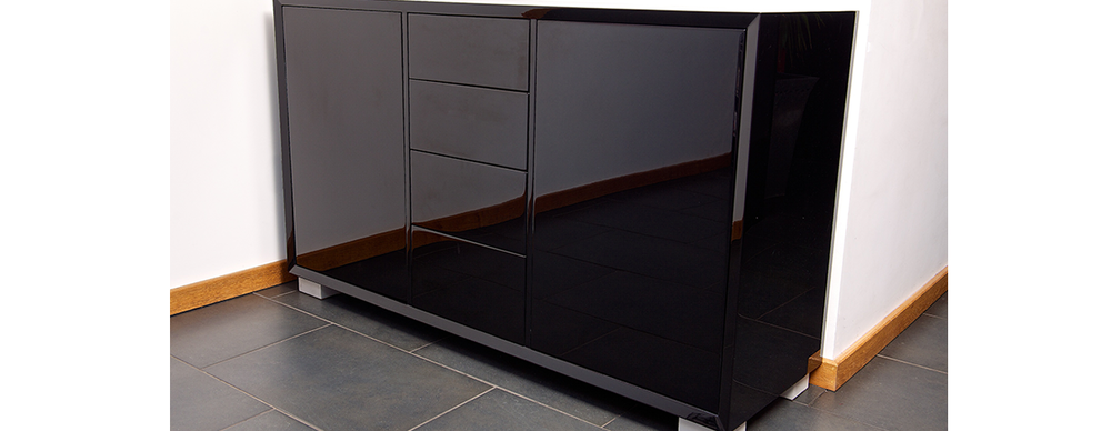 Sideboard with high gloss lacquer finish